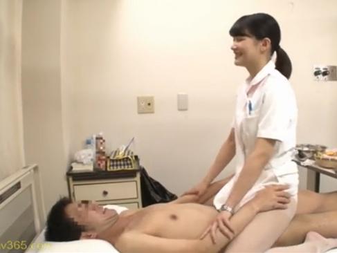 看護師|本物ナースと担当患者に金をバラ撒いてセックスをさせる企画