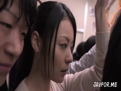 愛田奈々|痴漢を捕まえるも証言者に車内痴漢されそのままトイレでレイプされる美人車掌さん