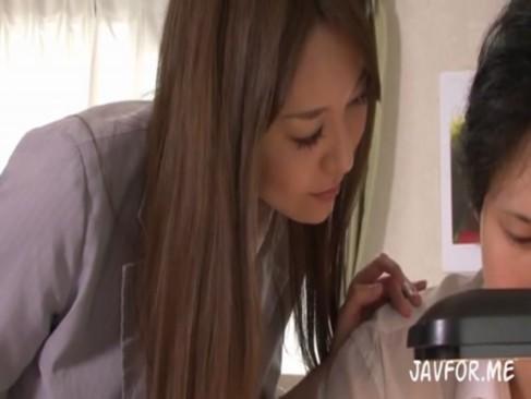 朝桐光|医大を目指す浪人生が美人な家庭教師をレイプし浣腸プレイをさせる動画