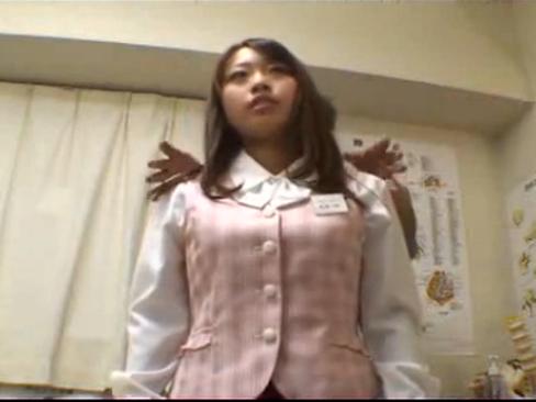 歌舞伎町マッサージOL編|スカートを脱いだパンスト状態で足をグイグイ上げられる羞恥心